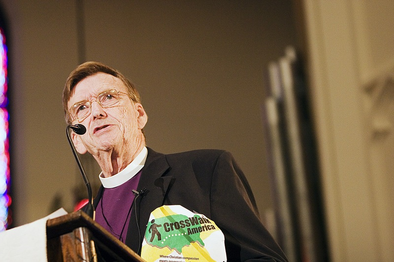 Bishop_John_Shelby_Spong_speaking_2006